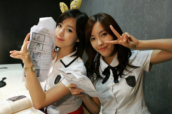 T-ara Eunjung and Hyomin at movie set