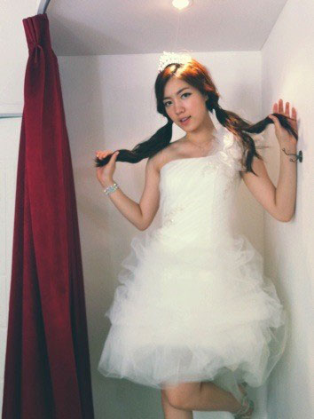 T-ara HwaYoung wedding dress selca