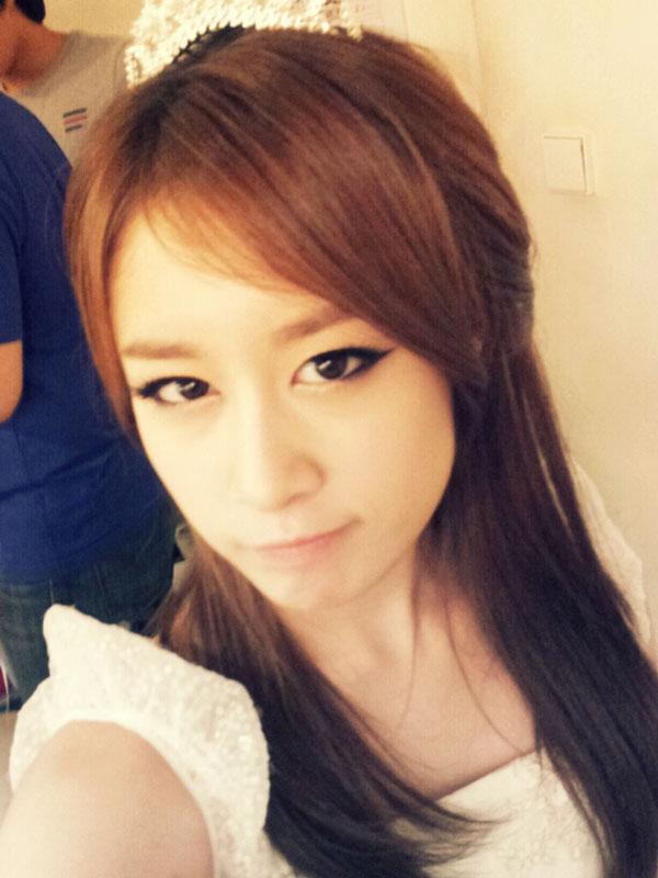 T-ara Jiyeon tiara selca