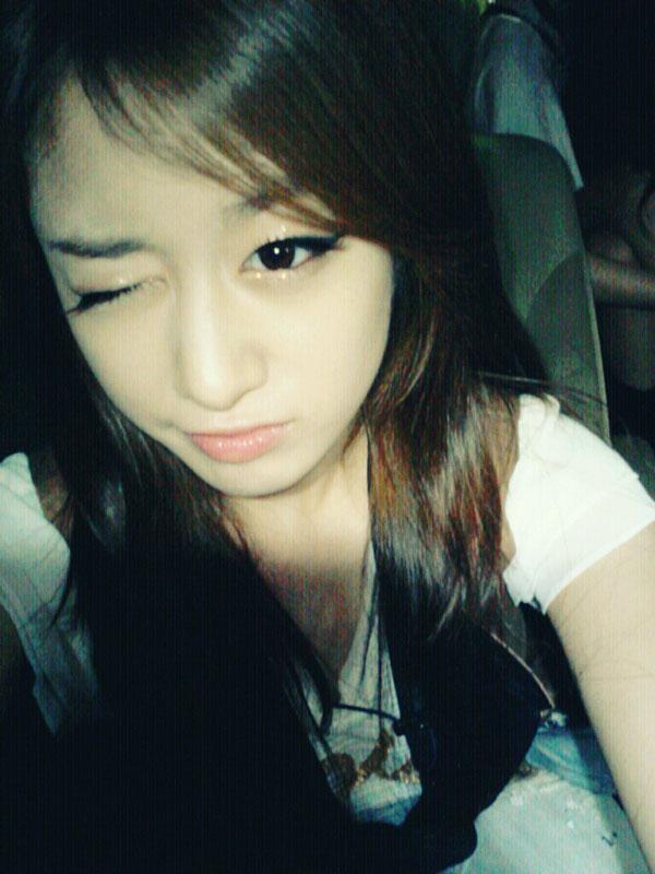 T-ara Jiyeon 2nd anniversary wink