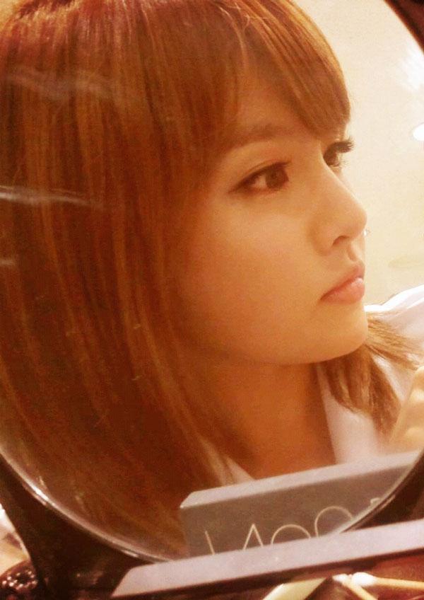 T-ara Boram mirror selca