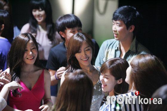 T-ara clubbing in Gisaeng Ryung