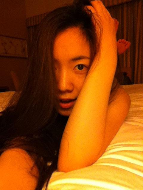 T-ara Hwayoung bed selca