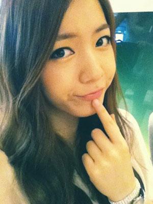 T-ara Hwayoung selca 110829