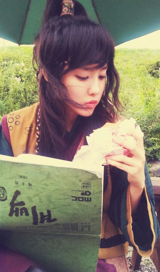 T-ara Hyomin filming Gyebaek
