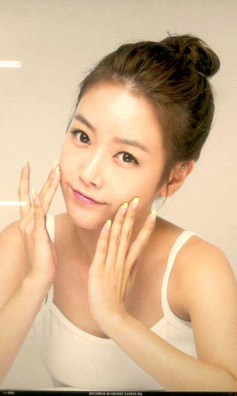 T-ara Soyeon Tony Moly Twitter pic
