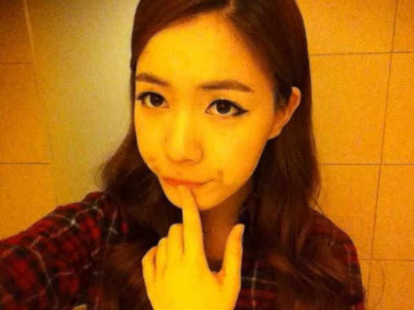 T-ara Hwayoung thankful selca