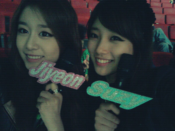 T-ara Jiyeon and Miss A Suzy Music Core