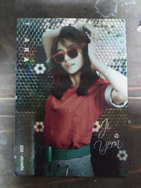T-ara Jiyeon Roly Poly star card