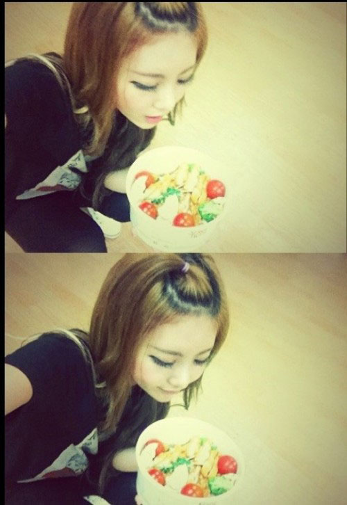 Tony Ahn food for T-ara Qri