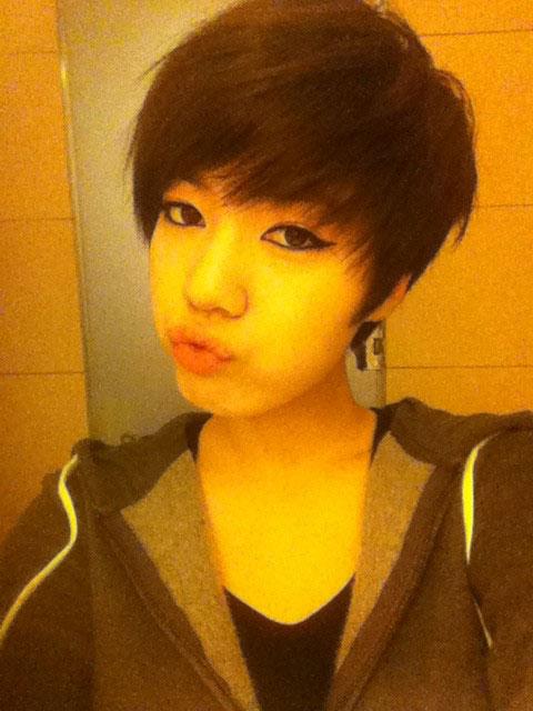 T-ara Hwayoung happy selca
