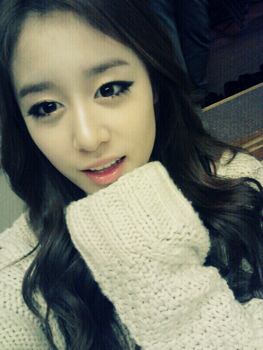 T-ara Jiyeon long hair