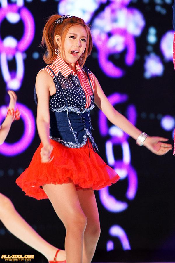 T-ara Qri Busan Hallyu Beach Concert