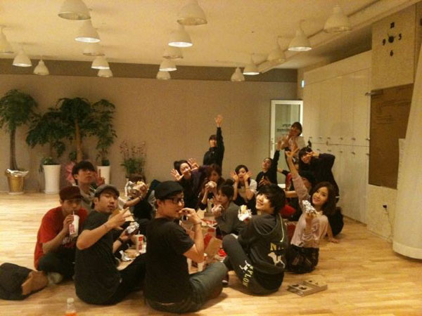 T-ara Christmas 2011 celebration