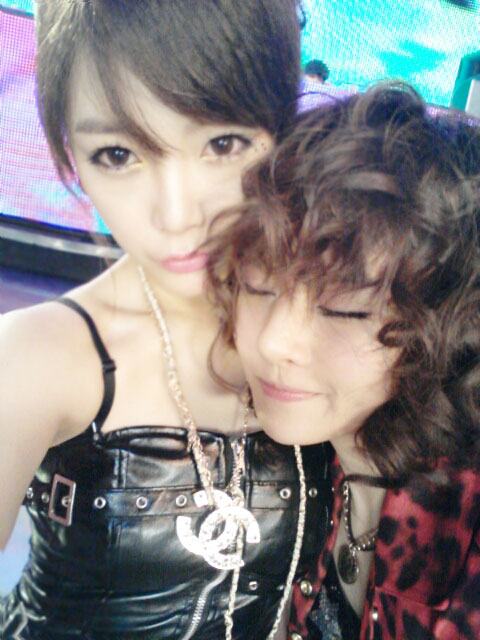 T-ara Soyeon and Boram selca