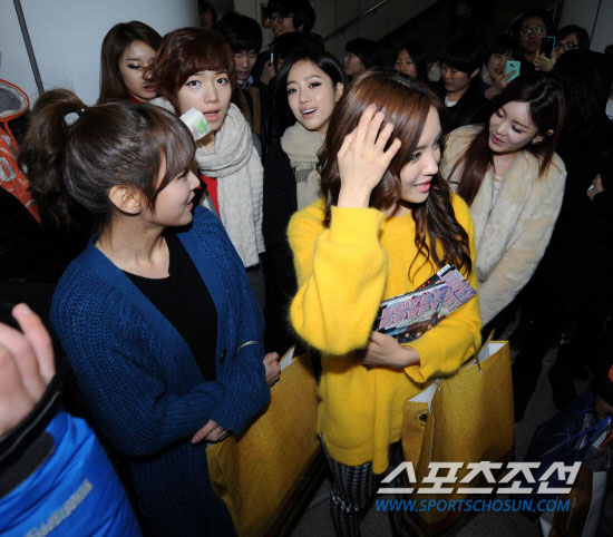 T-ara members Seoul subway