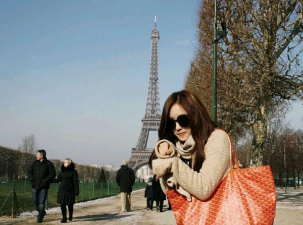 T-ara Hyomin Paris