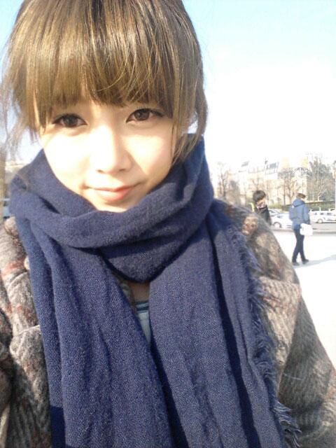 T-ara Soyeon Paris selca