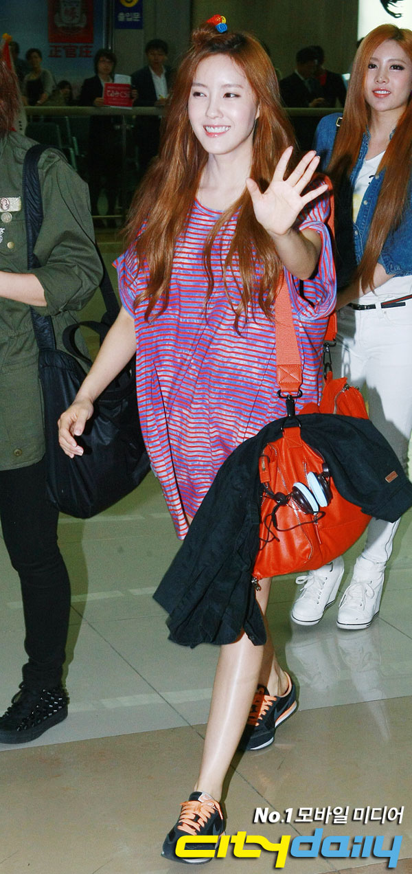 T-ara Hyomin airport fashion