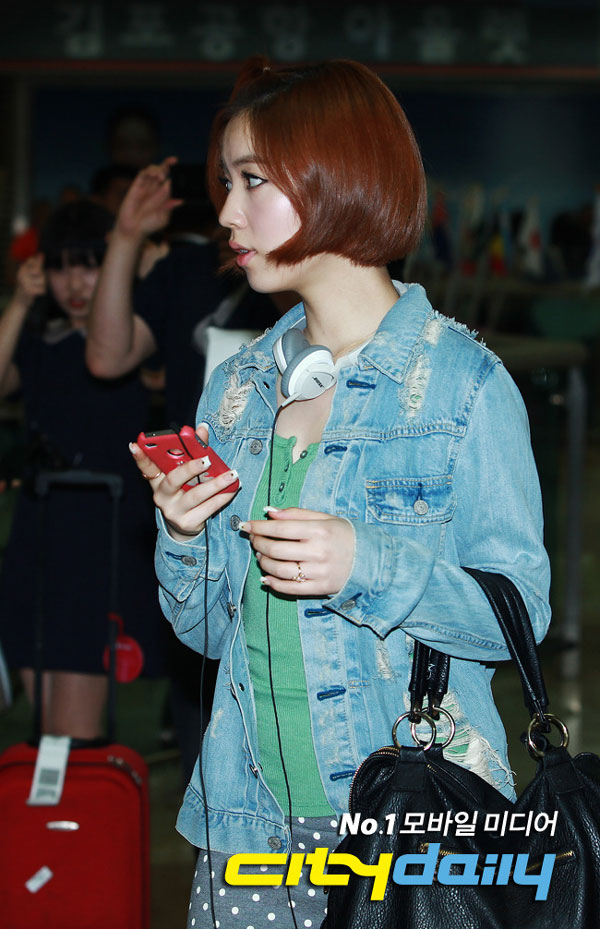 T-ara Hwayoung airport fashion