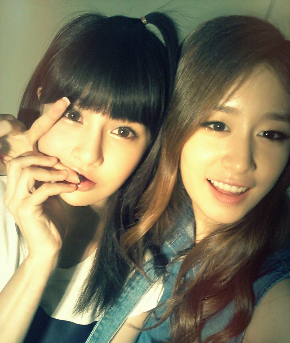 T-ara Boram Jiyeon selca