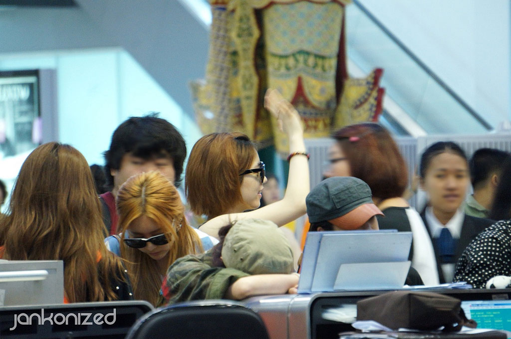 T-ara Hwayoung Thailand airport