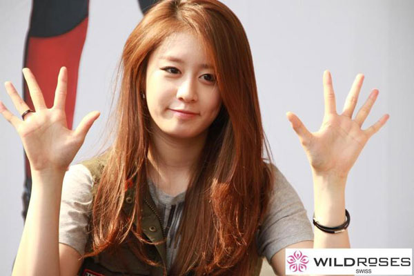 T-ara Jiyeon Wild Roses fan signing event
