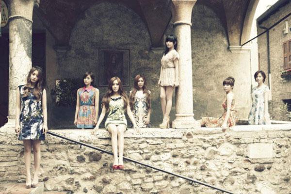 T-ara members Europe trip