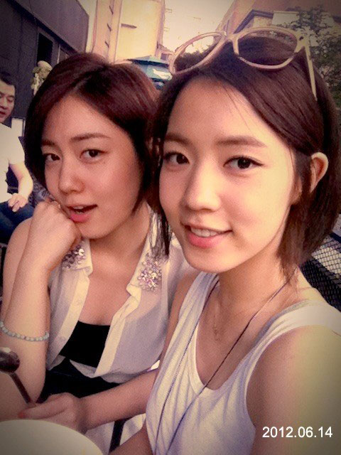 T-ara Hwayoung and sister Hyoyoung in Seoul